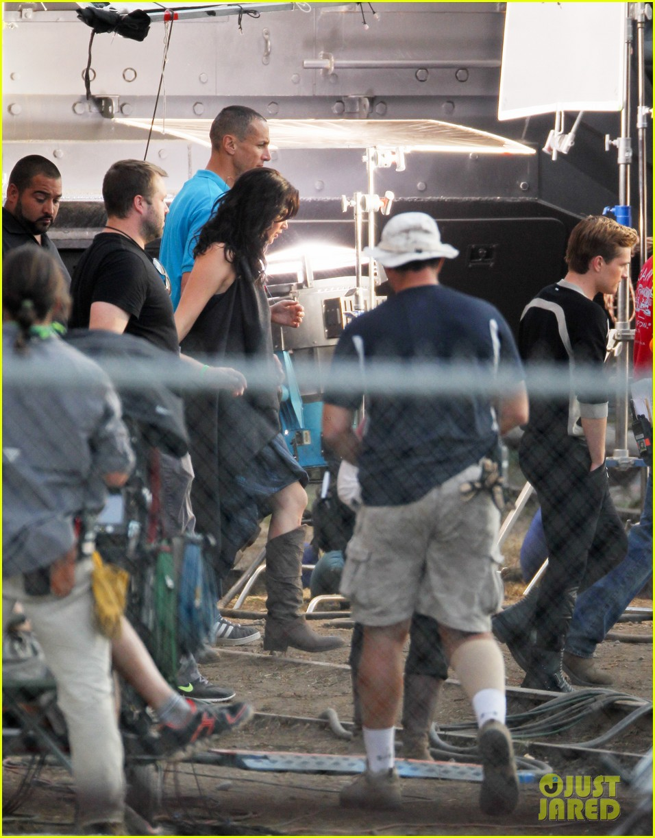 SPOTTED: Jennifer, Josh and Peacekeeper in THE HUNGER ...