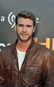 "Liam Hemsworth: ""I Twisted My Knee; There's a Bunch of Action in This One (Catching Fire)"""
