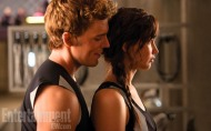 'CATCHING FIRE' NEW STILLS: Finnick & Katniss, Peeta & Katniss and Gale!