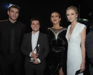 THE HUNGER GAMES Wins 6 People Choice Awards 2013!