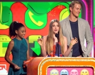 The Hunger Games Wins 2 Kids Choice Awards + Josh Get SLIMED!