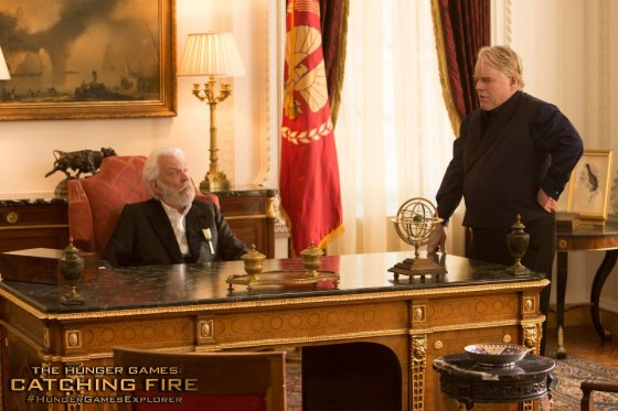 President-Snow-and-Plutarch-CF