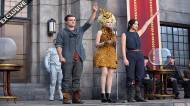 NEW STILL of Peeta, Katniss and Sparkling-Yellow Effie!