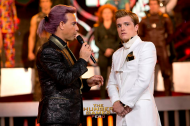 (NEW STILLS) Peeta & Caesar Interview, Effie and Katniss!